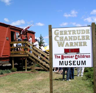 Warner Boxcar Museum open for business 7-3-04